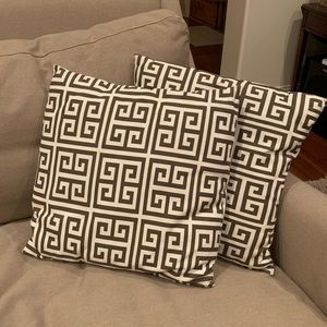Pair of throw pillow covers